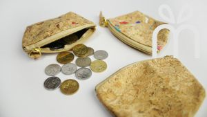 EcoQuote Small Coins Bag Hadmade Eco-Friendly Cork Material Great For Vegan, Environment Concious Friends