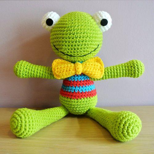 Crochet Felix the Frog Amigurumi