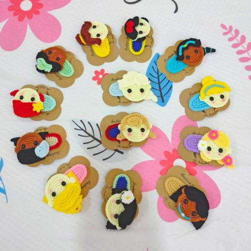 Disney Princess Hair Clip. Elsa, Anna, Ariel, Belle, Aurora, Cinderella, Snow White, Jasmine, Pocahontas, Rapunzel, Tiana, Mulan, Moana.