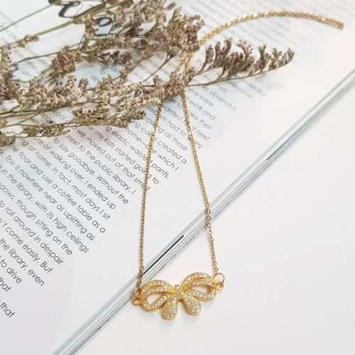 The Bow Necklace