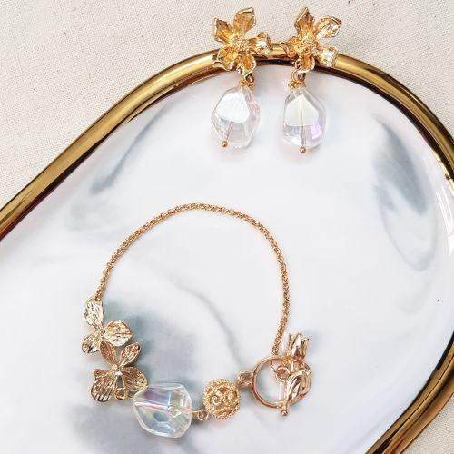 The Exquisite D (Bracelet & Earring)