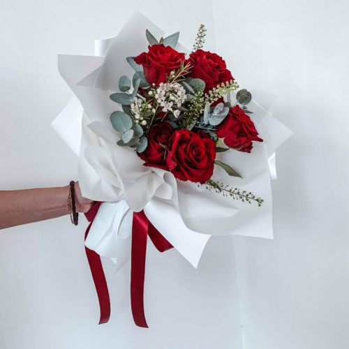 Red Blooming Bouquet