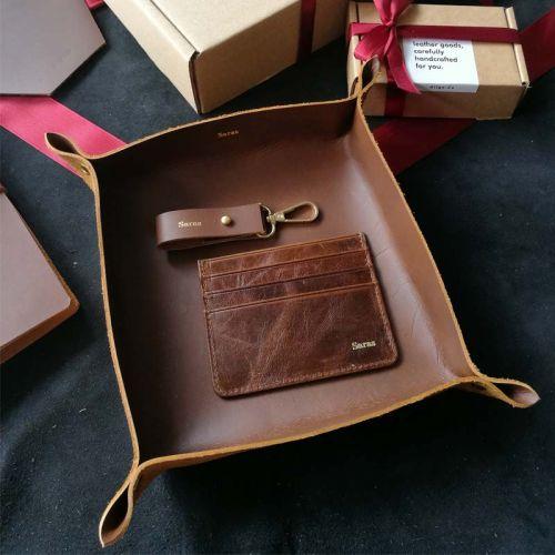 Premium Personalised Leather Gift Set D - Leather Valet Tray (Medium) + Leather Keychain + 7-Pocket Leather Cardholder