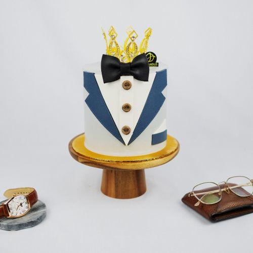 Tuxedo Cake - Father's Day 2021