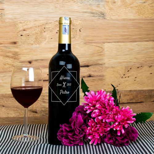 Personalised Red Wine Bottle With Text Engraving - Aliana x Pedro