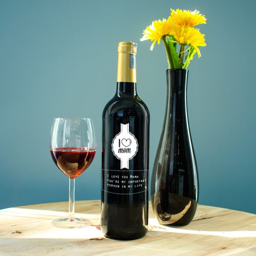 Personalised Red Wine Bottle With Text Engraving - I Love Mom