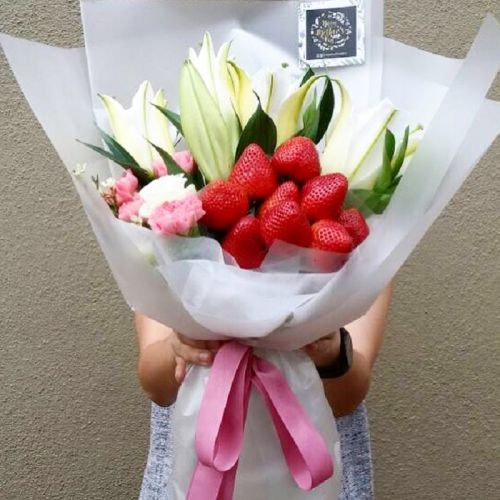 Strawberry Lily Bouquet