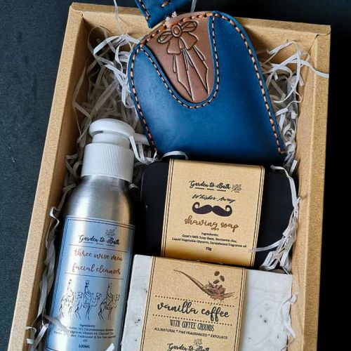 My Superhero Gift Set with Shaving Soap/Deodorant and Blue/Red Leather Key Holder