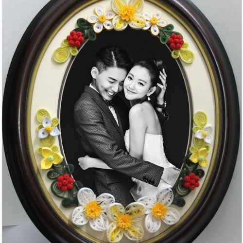 Wedding Garland Oval - Retro Brown Photo Oval Frame