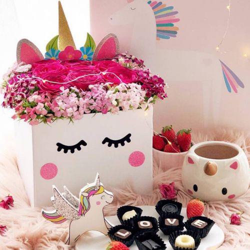 Unicorn Bloom Surprise Box
